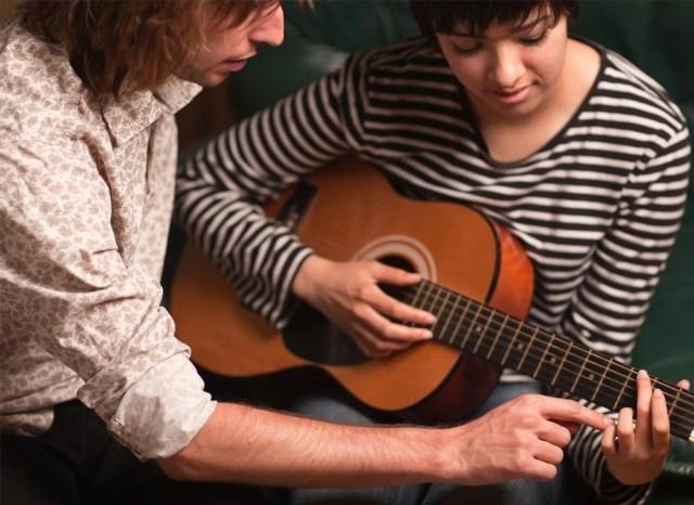 Gia sư dạy đàn guitar tại nhà hcm